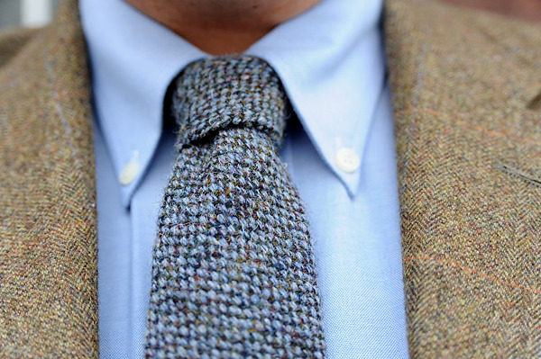 Richard from Kent (UK) handles the mix of colors and textures in this fall ensemble