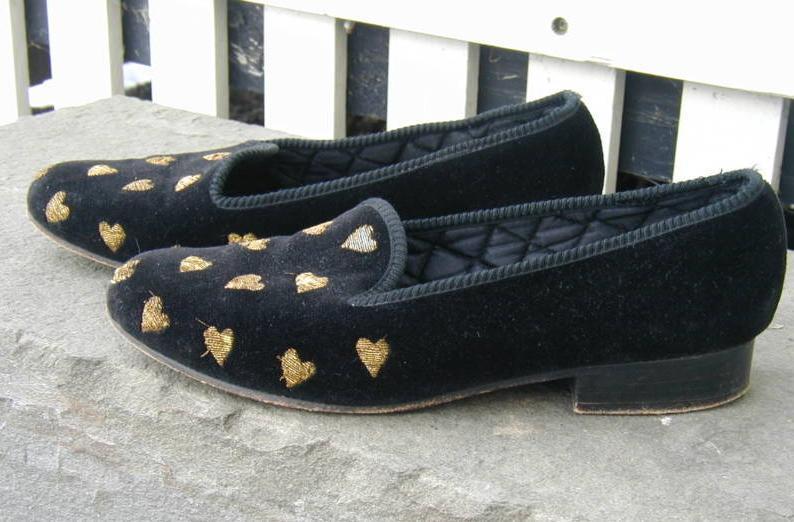 It's On Ebay: Berk velvet slippers