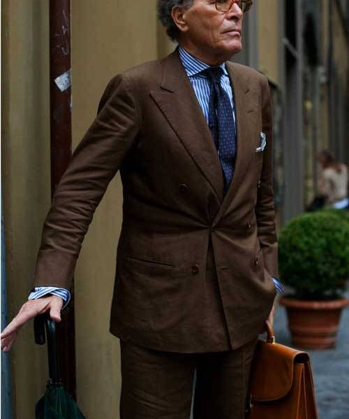 Here's an Italian gentleman looking sharp, courtesy of The Sartorialist