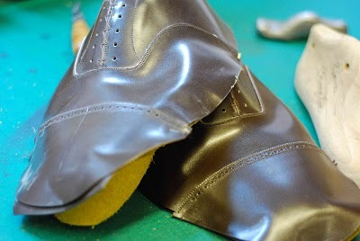 12 steps involved in his new bespoke shoes