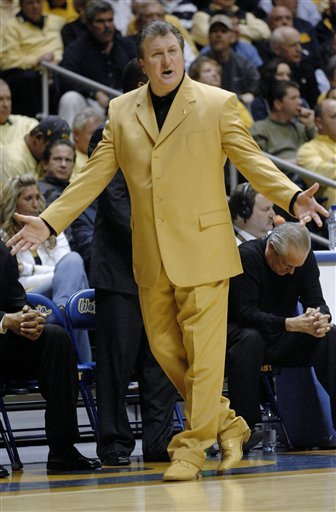 College basketball coach outfits