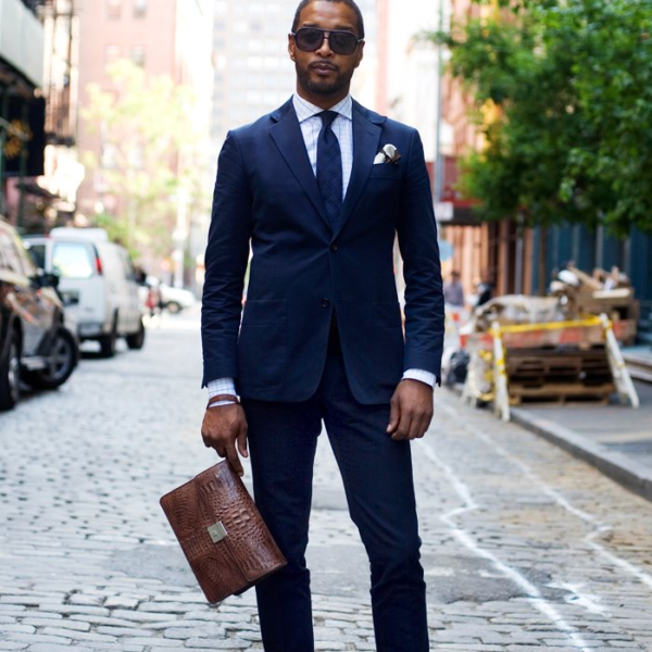 Q and Answer: What Color Shoes Should I Wear With a Navy Suit?