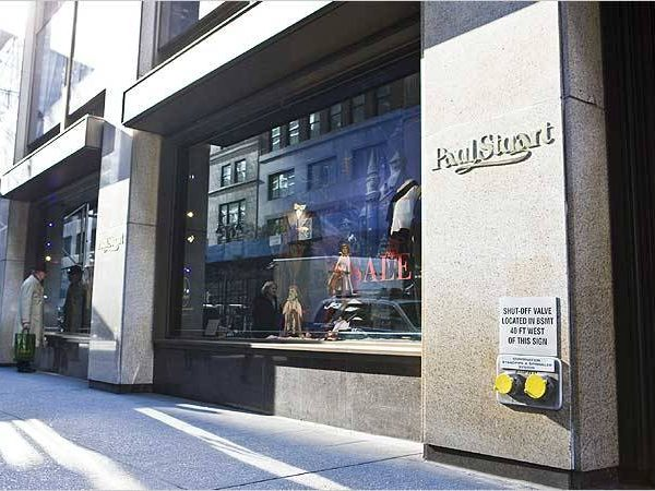 Chicago, grab one of these complimentary $50 gift cards</a> from Paul Stuart