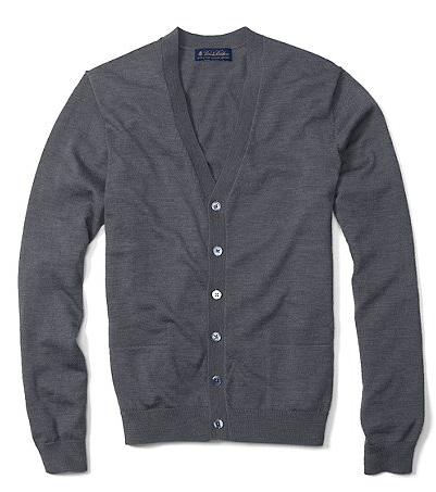 It's on sale: Brooks Brothers sweaters & cutaway-collar knits</strong> — All are under $50 each:
