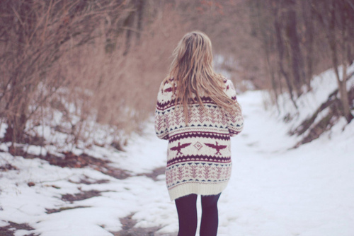 Winter has always been about the oversized cozy sweaters