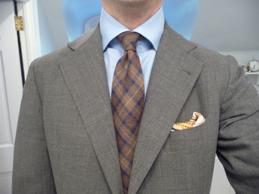 Q and Answer: How to Wear A Pocket Square