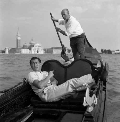 Toshiro Mifune's Relaxed Style