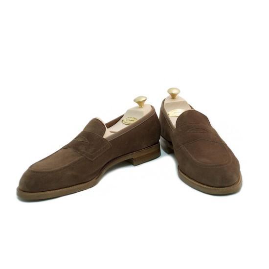 It's On Sale: Footwear at Leffot