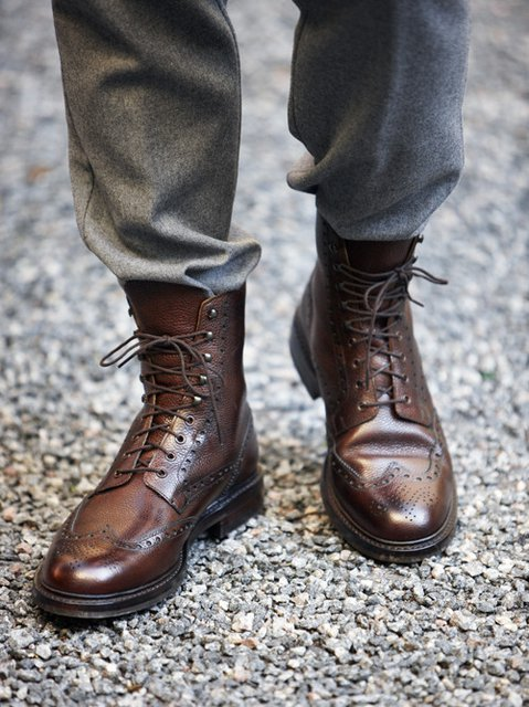 Q & Answer: Where Do I Find Wide Shoes?