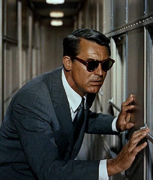 A Guide to Classic Men's Sunglasses