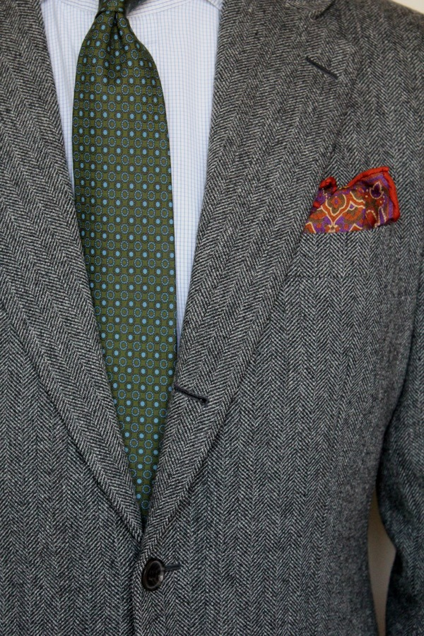 How to Wear a Grey Tweed