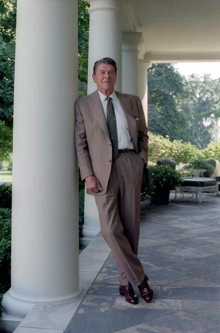 Shrunken, Unstructured Suits Look Bad